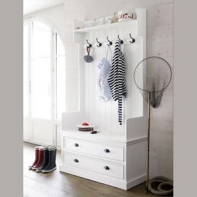 bia y kredens przedpok j. Black Bedroom Furniture Sets. Home Design Ideas