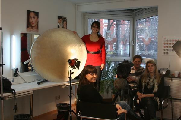 Make Up Artist Und Visagistin Ausbildung Make Up Academy: Tanja Zerkowitz Als Beauty- Und Make-up Expertin Bei Pro
