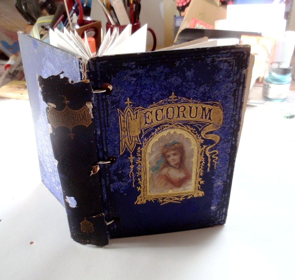 * creative lenna *: handmade book with Vintage cover