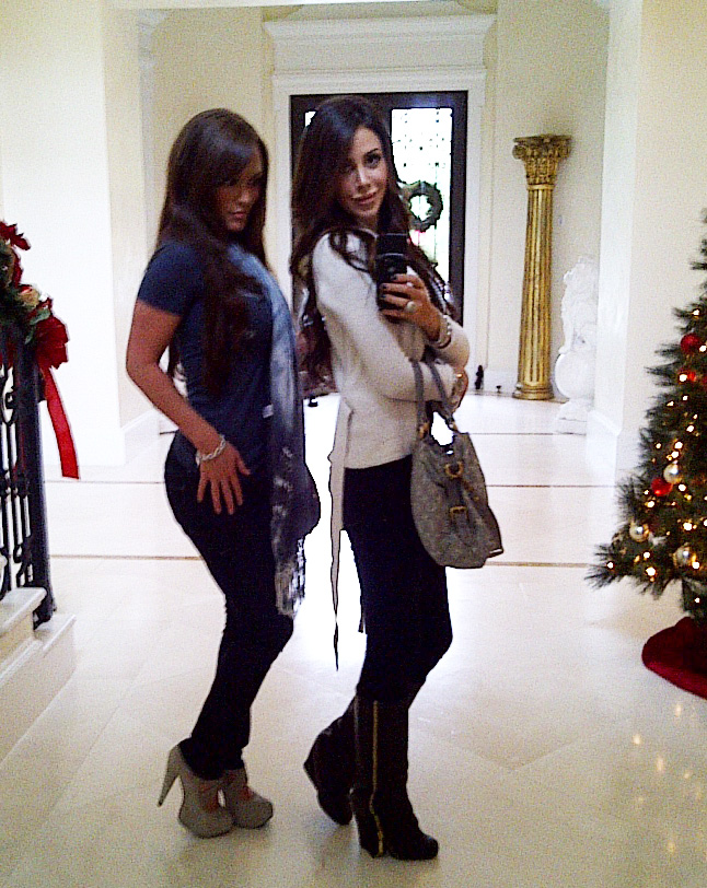 Daily mirror pics she is pregnant black leggings by david lerner and black dolce vita boots thecheapjerseys Images