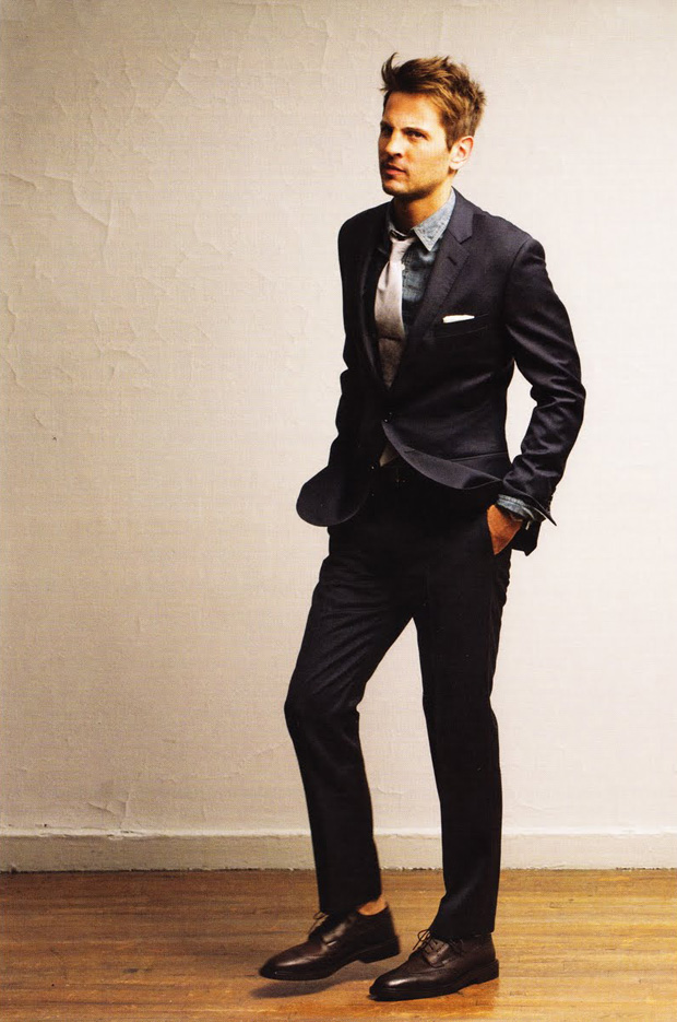 black suit black shoes - photo #17