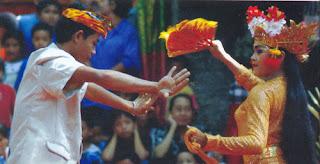 Melestarikan Budaya dan Kesenian Bali: Tari Joged Bumbung