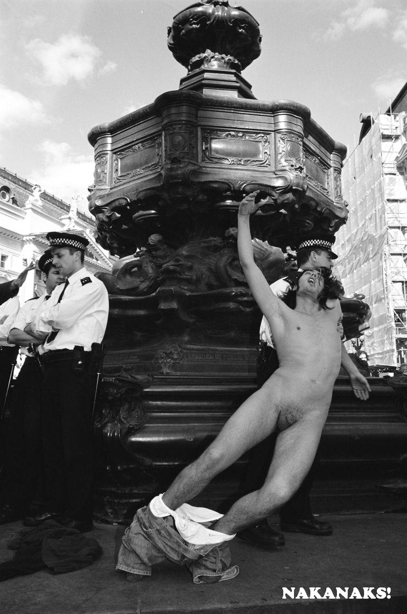 Russell Brand Nude Photo 74