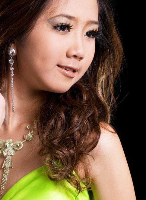 Myanmar Cute Model Girl, Mechi Ko With Green Long Dress -5215