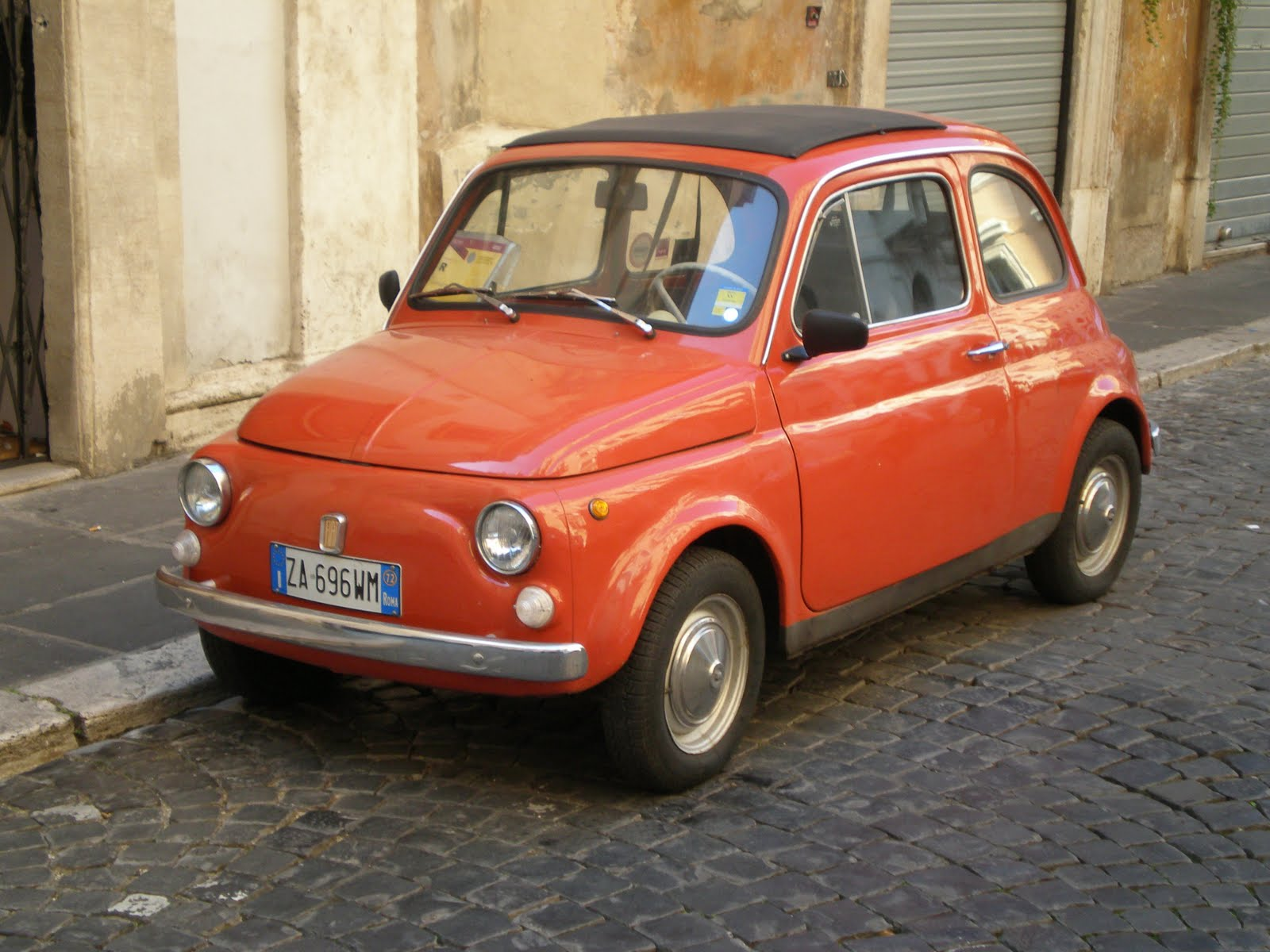 sunshine lobster fiat 500 39 s and scooters in italy. Black Bedroom Furniture Sets. Home Design Ideas