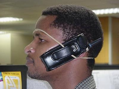 http://4.bp.blogspot.com/_EEr7HJsBacI/RzOXSnJkDQI/AAAAAAAABdc/UGuakBYj_cs/s400/Old+Cell+Phone.bmp