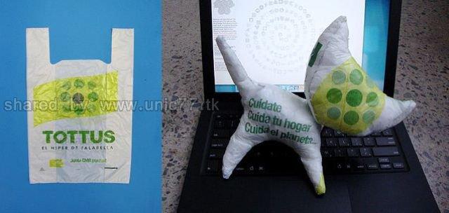 http://4.bp.blogspot.com/_EHi0bg7zYcQ/TJmzc8x9EvI/AAAAAAAAFVw/b67WZwh5e_M/s1600/plastic_bag_artwork_640_18.jpg