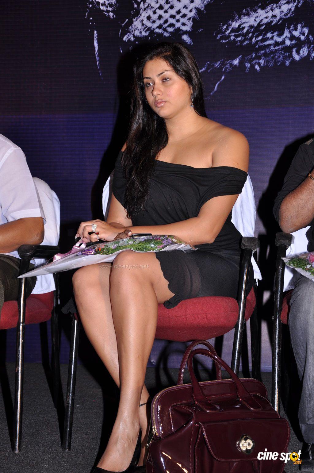 Film Actress Photos Namitha Hot Boobs And Creamy Thigh Show-3466