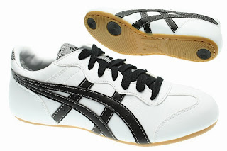 Valiente Espesar Agente de mudanzas  Buy asics whizzer > Up to OFF70% Discounted
