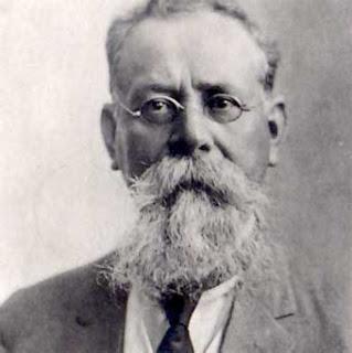 Pero durante 1920, decidió terminar con la huelga del sector ferroviario en el estado de Sonora