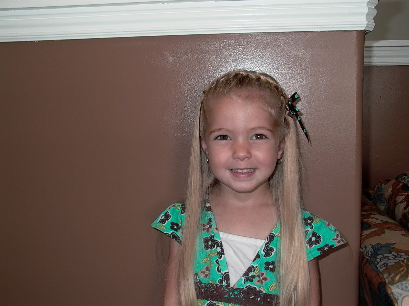 Little Girls Hairstyles  How To Do Hair For School Pics