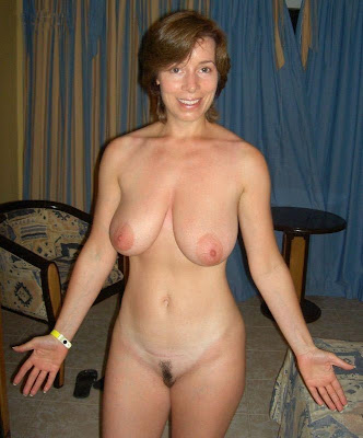 hot naked wifes spreads legs