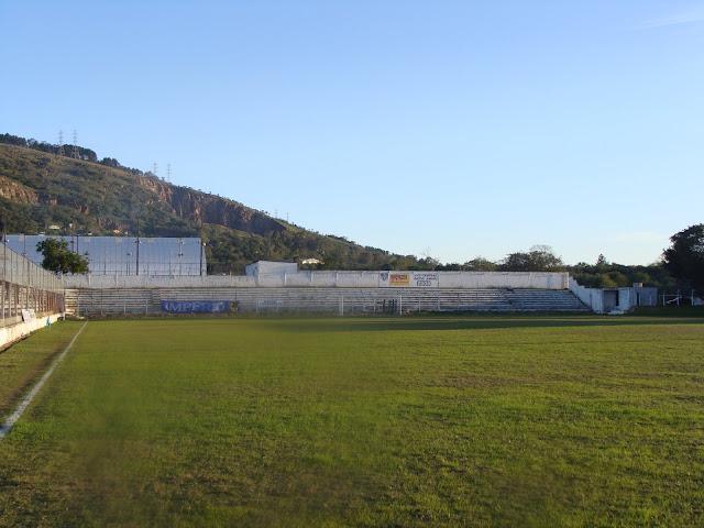 7744fc53f0b47 Na década de 1970, o clube construiu o Estádio Estrelão (na Avenida  Protásio Alves, bairro Protásio Alves), seu estádio atual, inaugurado em  abril de 1977.
