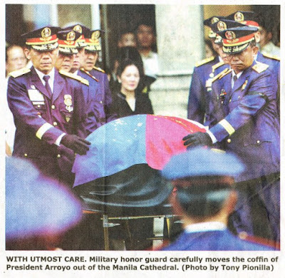 Manila Bulletin, Newspaper, August 06 2009, issue, arroyo's coffin, caption, wrong caption, Military honor guard carefully removes the coffin of Mrs. Arroyo out of the Manila Cathedral, cory aquino, death, funeral