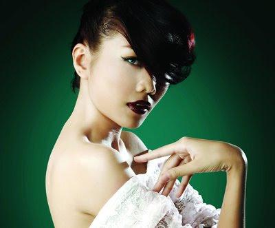 Singer Minh Hằng - Vietnamese