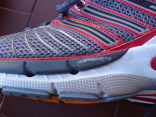 info for 4bd90 dbdeb La linguetta segue l originale trovata di tutte le Adidas del 2008  la sua  imbottitura è in un polimero bucherellato morbidissimo e il collo piede più  di ...