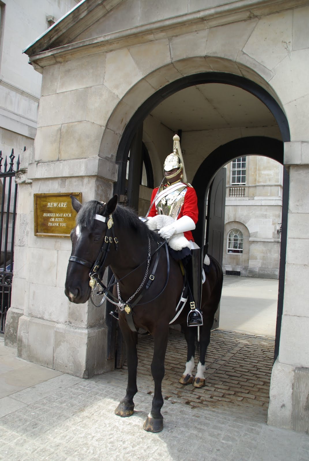 ON TRAVEL: Changing of the Guard at Buckingham Palace  ON TRAVEL: Chan...