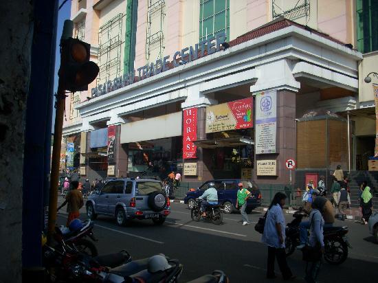 Tempat Belanja Favorit Di Bandung