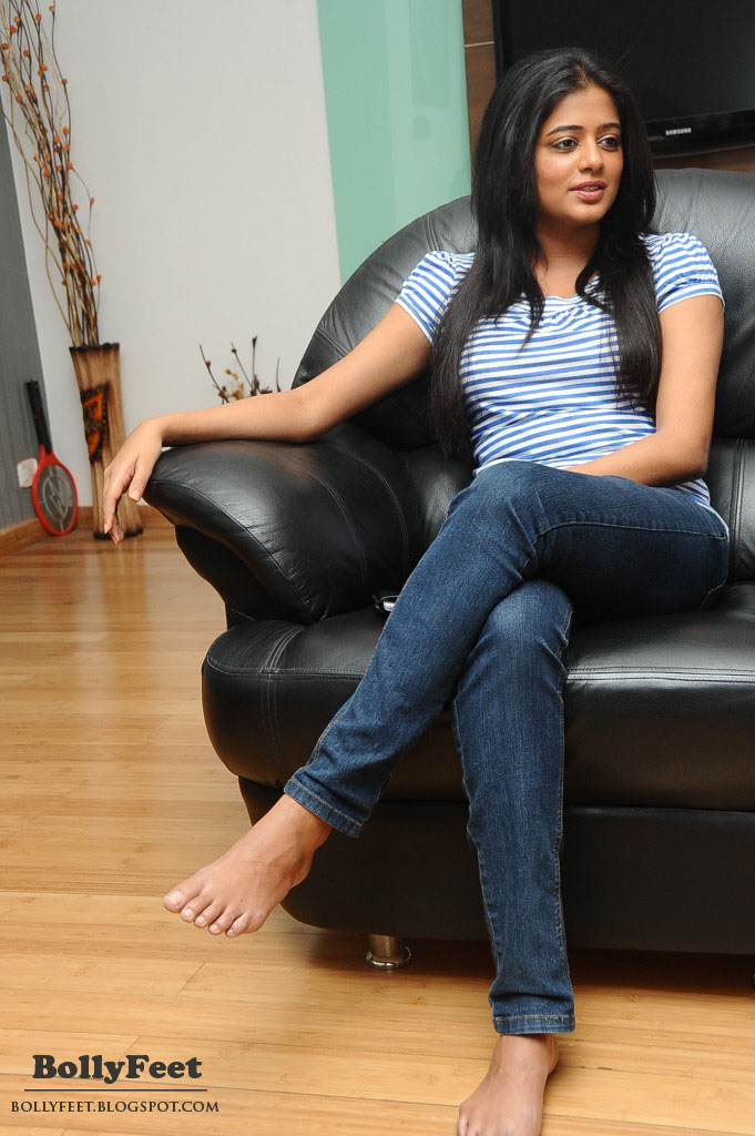 Barefoot And Blue Jeans Women Sexy 98