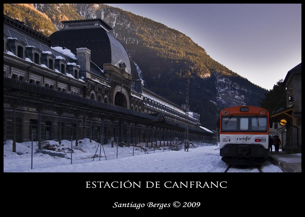 Estación de Canfranc y Canfranero