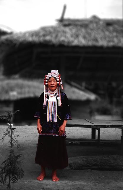 Mujer de la etnica Akha en Tailandia