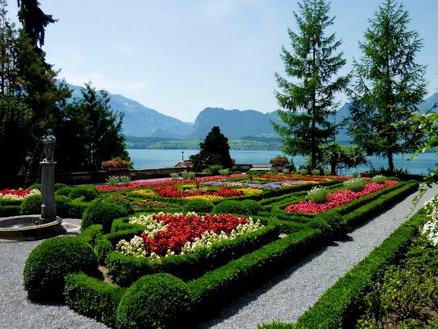 Jardines del Castillo de Oberhofen en Suiza