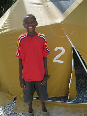Domes for Haiti: tout sa ou bezwen se ami