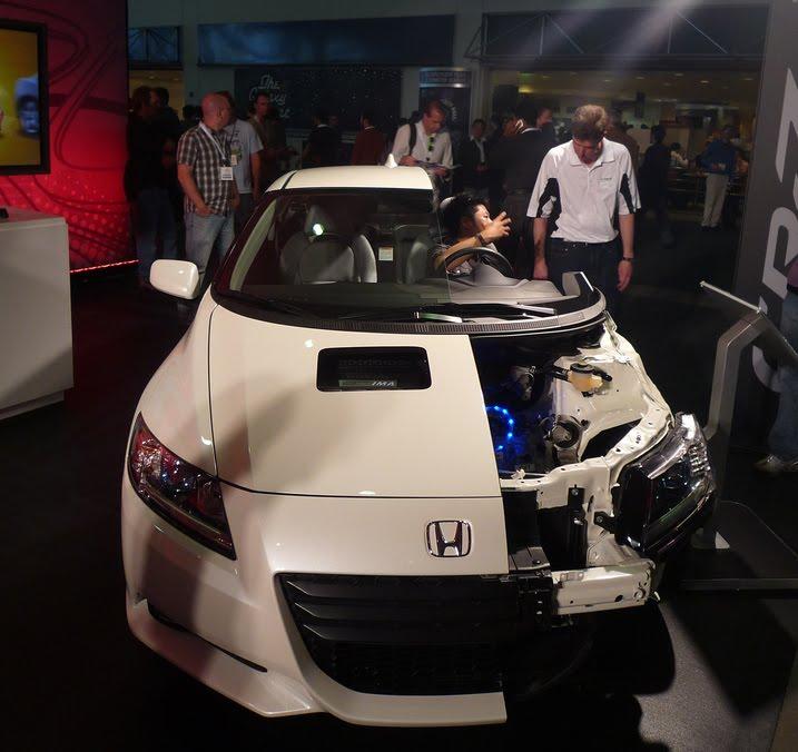 All New Honda Cr Z Sport Hybrid Coupe Makes E3 Expo Debut