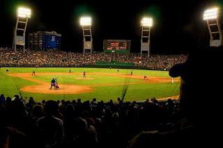 El béisbol (del inglés baseball) 51809ed492b