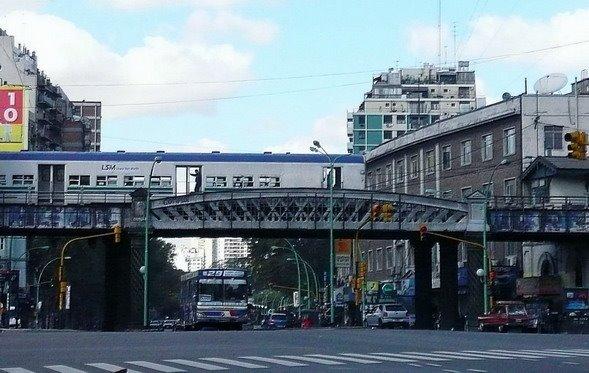 Puente Pacífico en Palermo,Buenos Aires