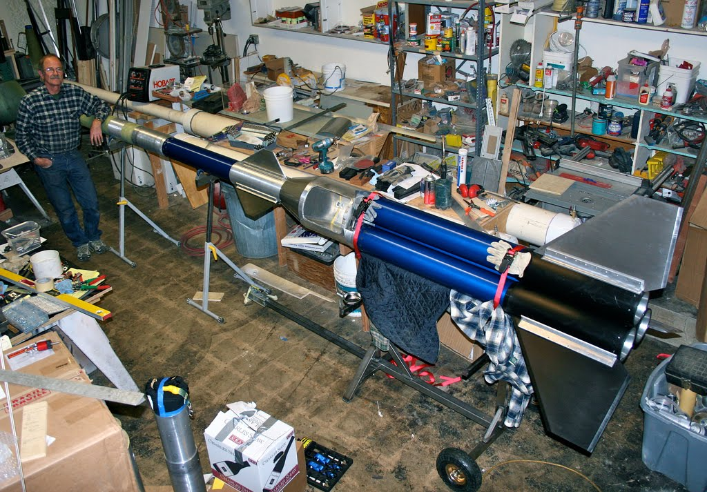 High Power Rocketry: 4x Q motor - The Beagle IV