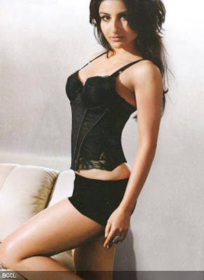 Sexy Bollywood Babes in Lingerie picture