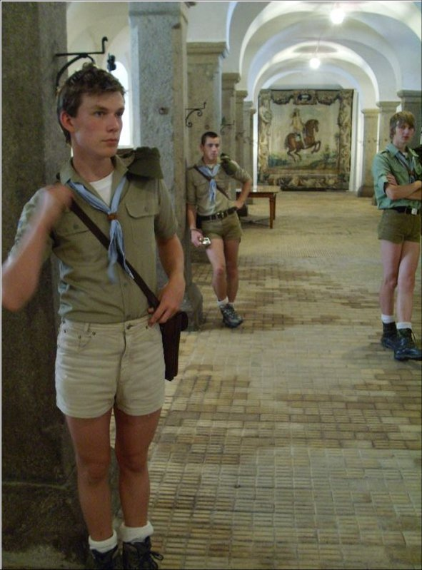 Boys in short shorts: July 2012