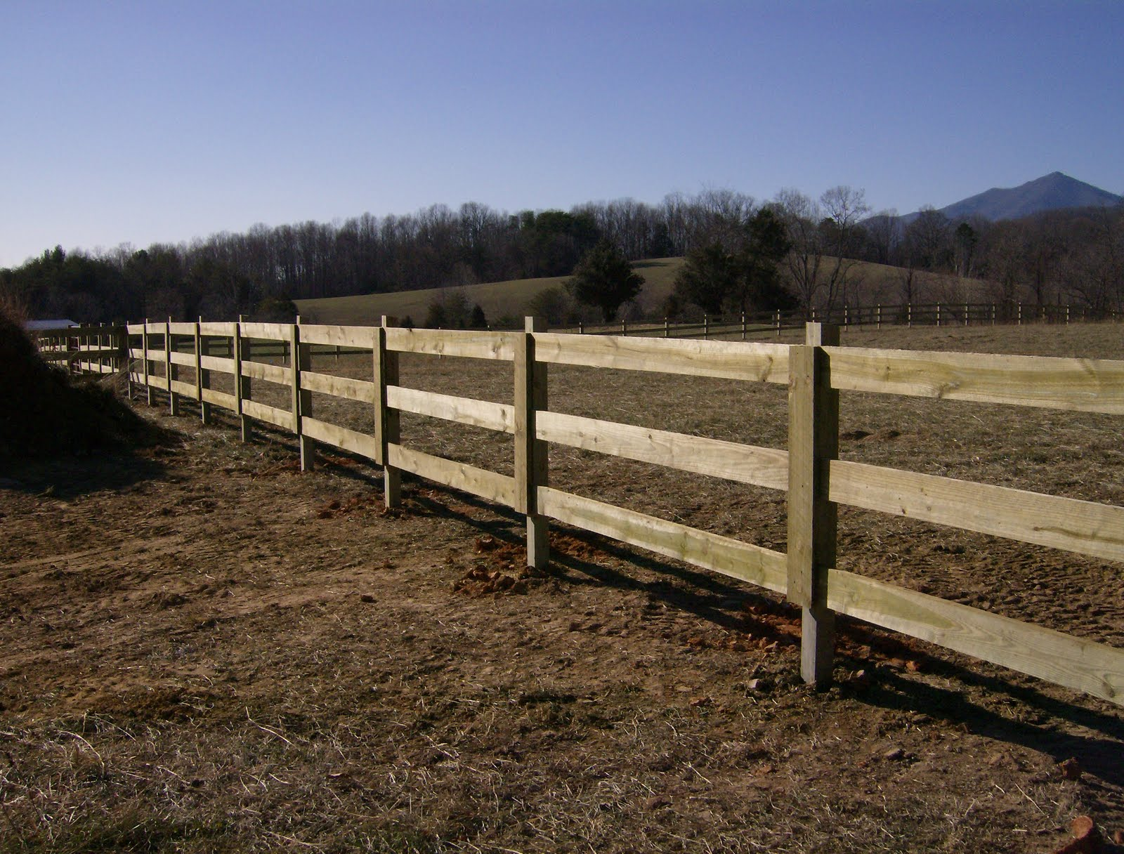 Wood-Privacy-Fence-Board-on-Board-Vertical-Louver-Style ...