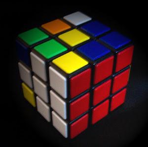 O cubo mágico de Rubik foi parar em seu celular. Você é capaz de resolvê-lo? 4