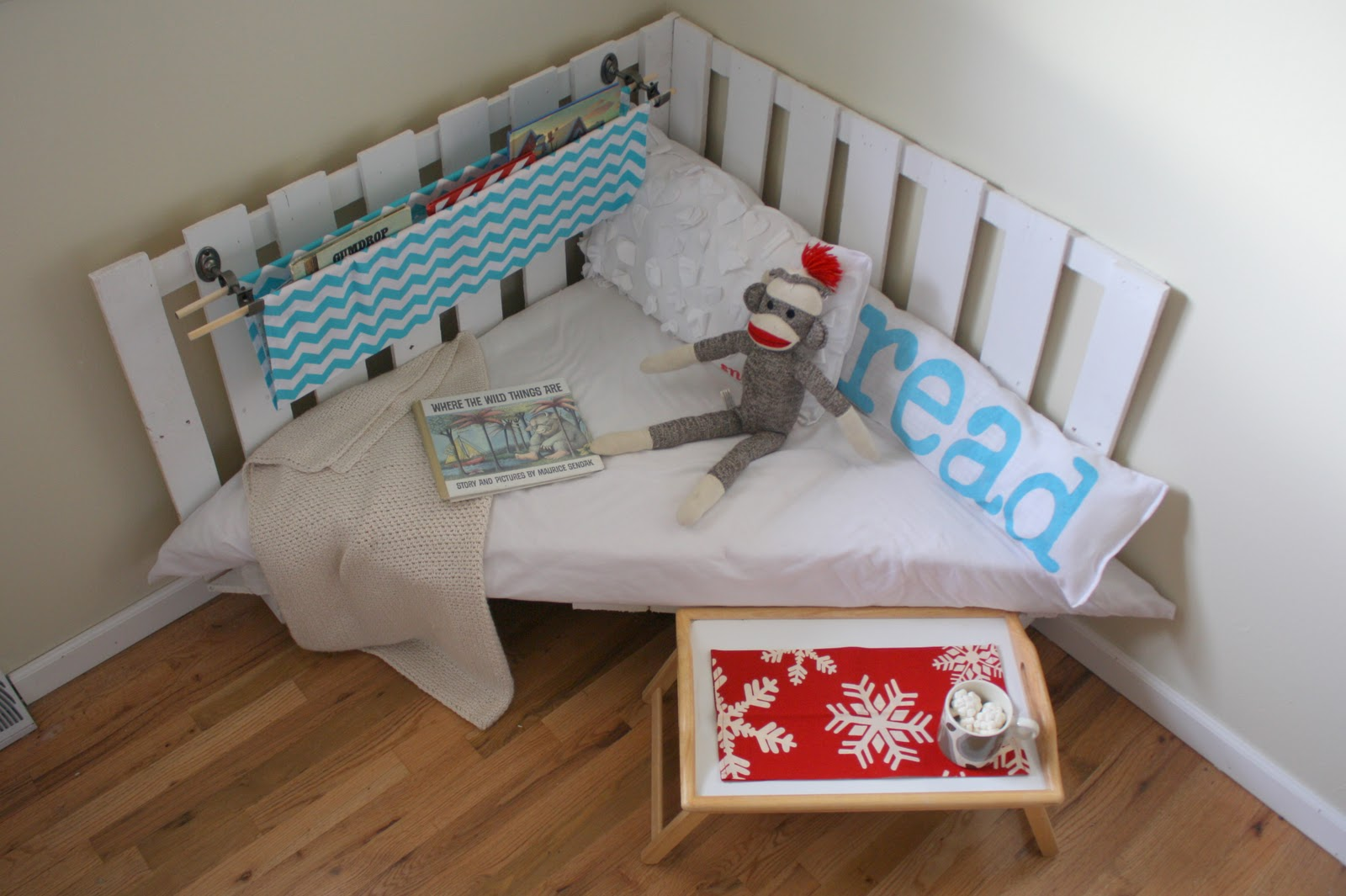Reading Nook Chair Burlap Sashes How To Make A From Two Wooden Palettes Part 2