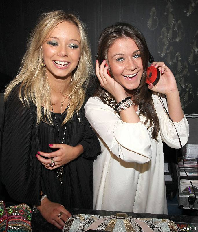 is brooke vincent and sacha parkinson dating