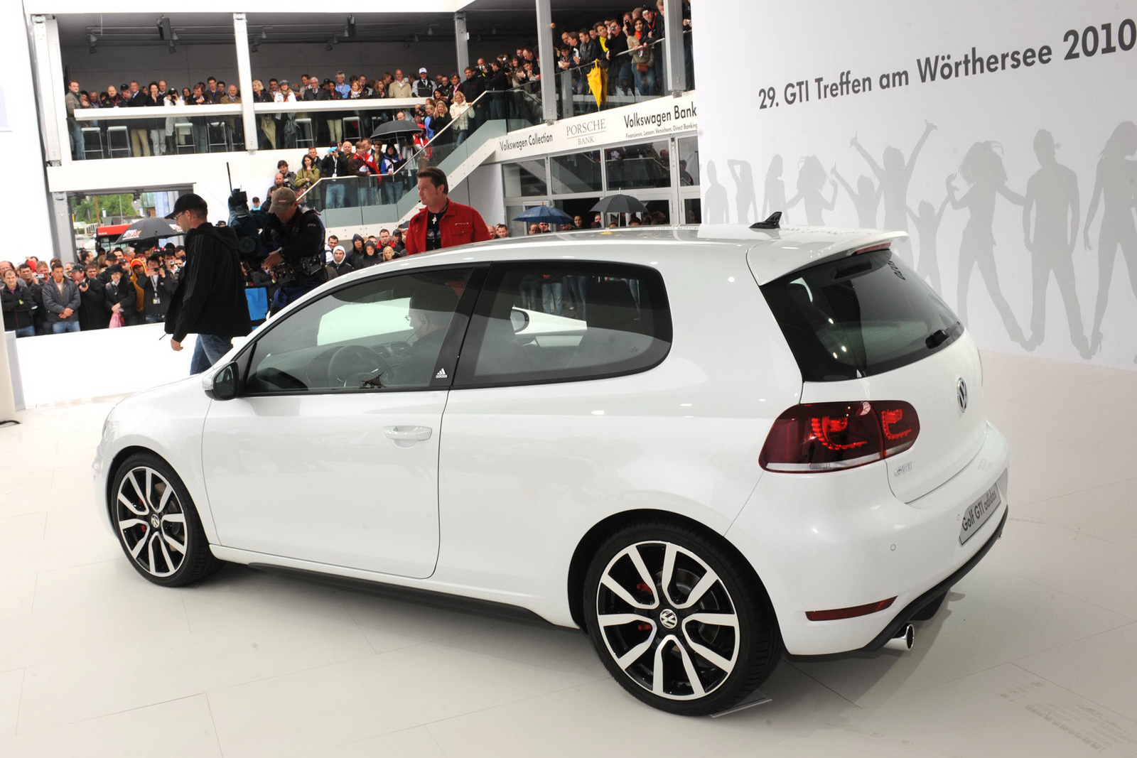 vw golf gti adidas special unveiled goes on sale in the u. Black Bedroom Furniture Sets. Home Design Ideas