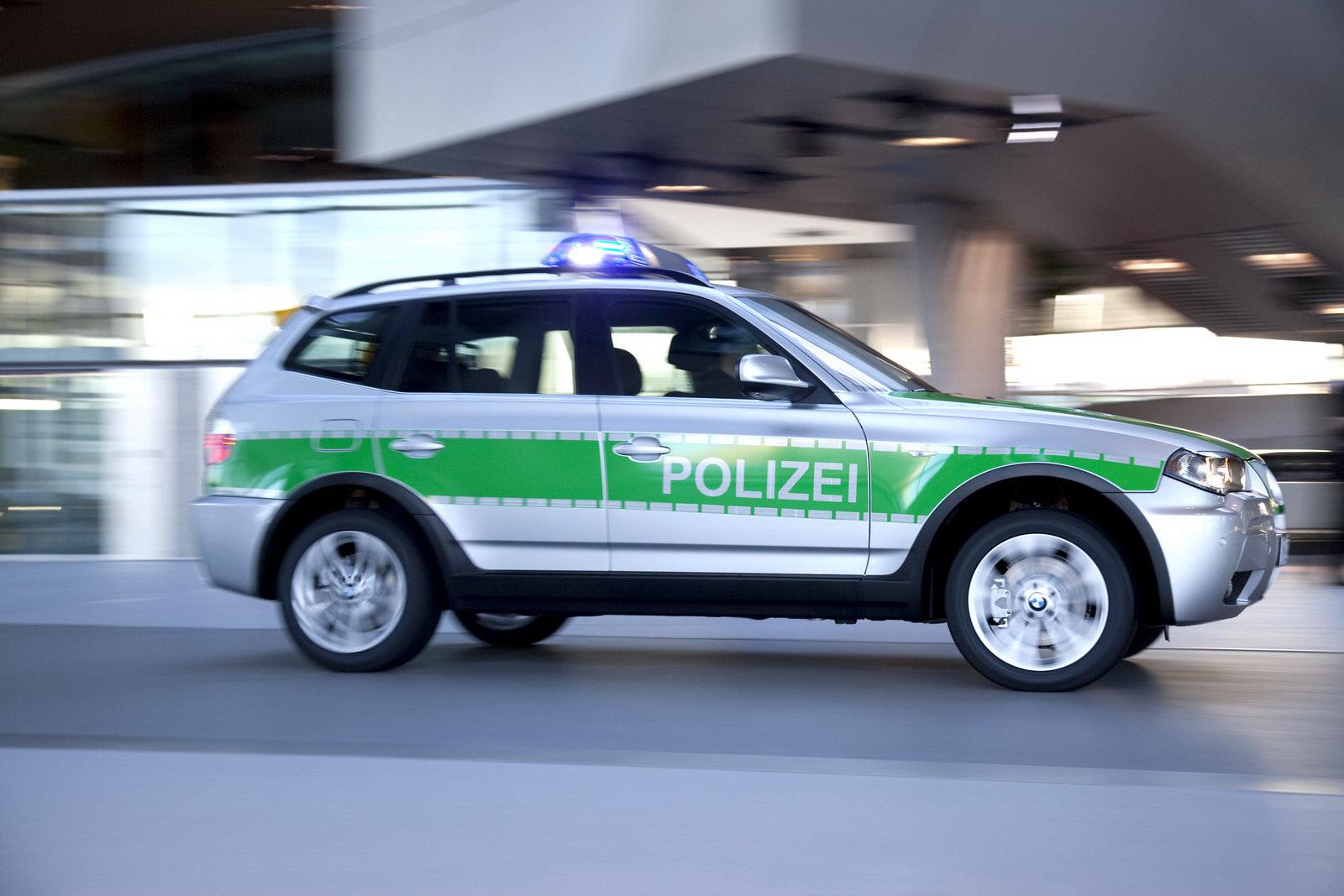 bavarian cops testing bmw x3 police car. Black Bedroom Furniture Sets. Home Design Ideas
