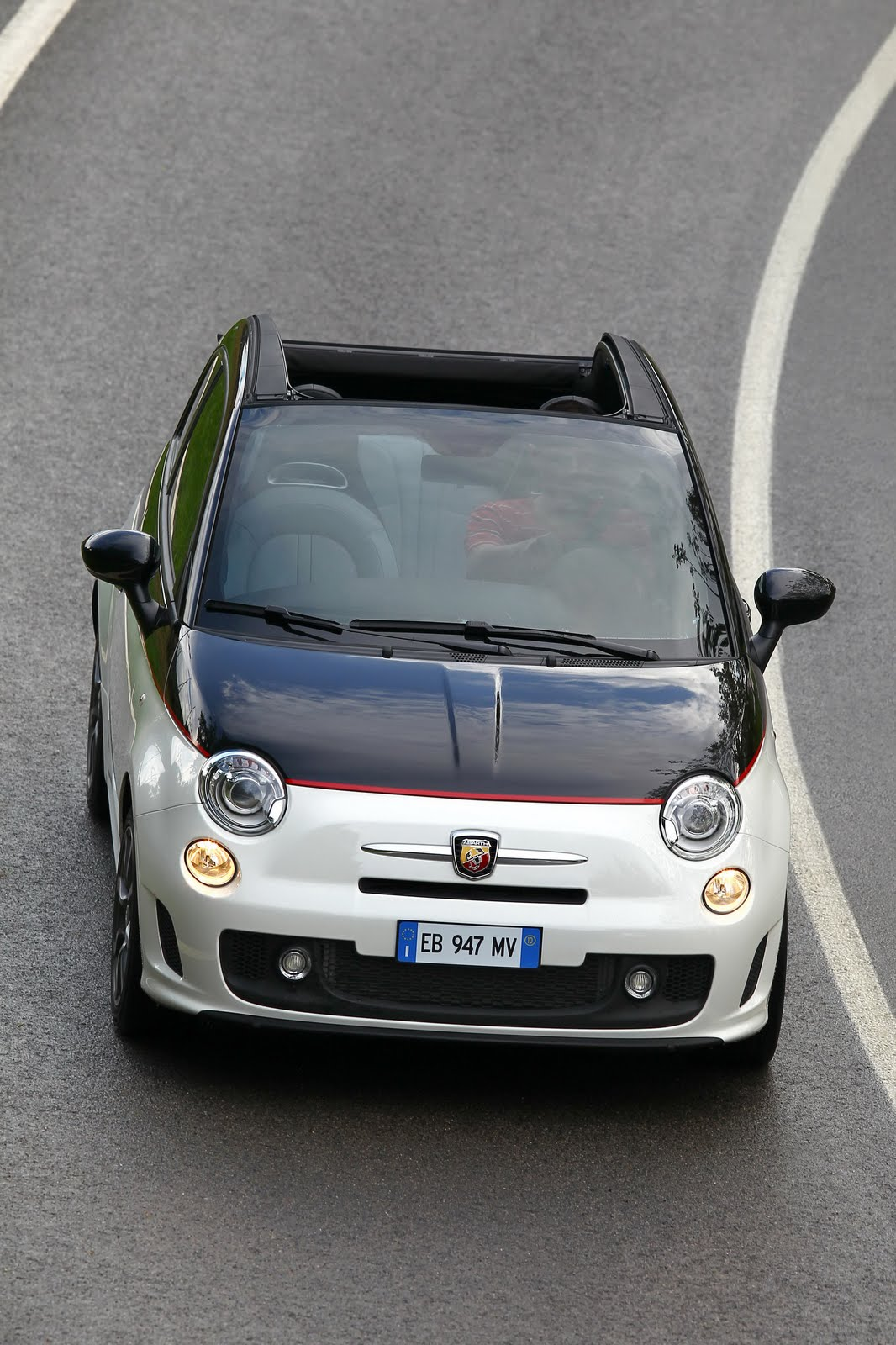 Fiat Unleashes Huge Photo Gallery of Abarth 500C ...