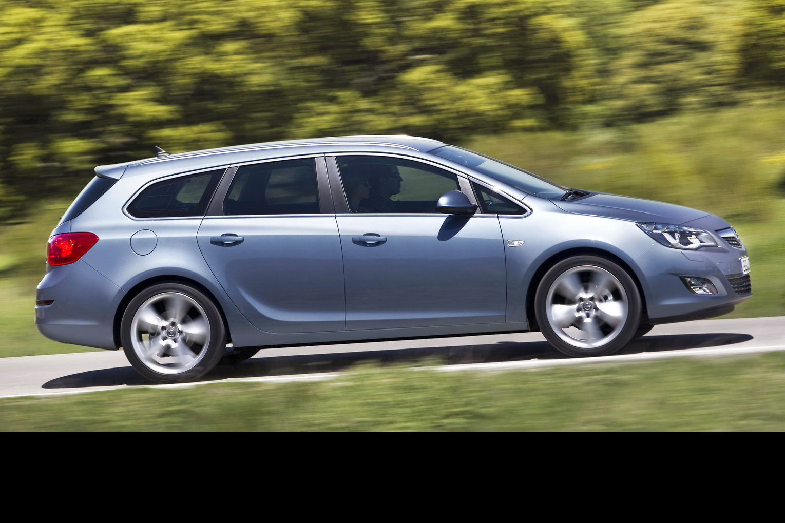 Opel Astra New Opel Astra Sports Tourer Unveiled Should Buick Bring