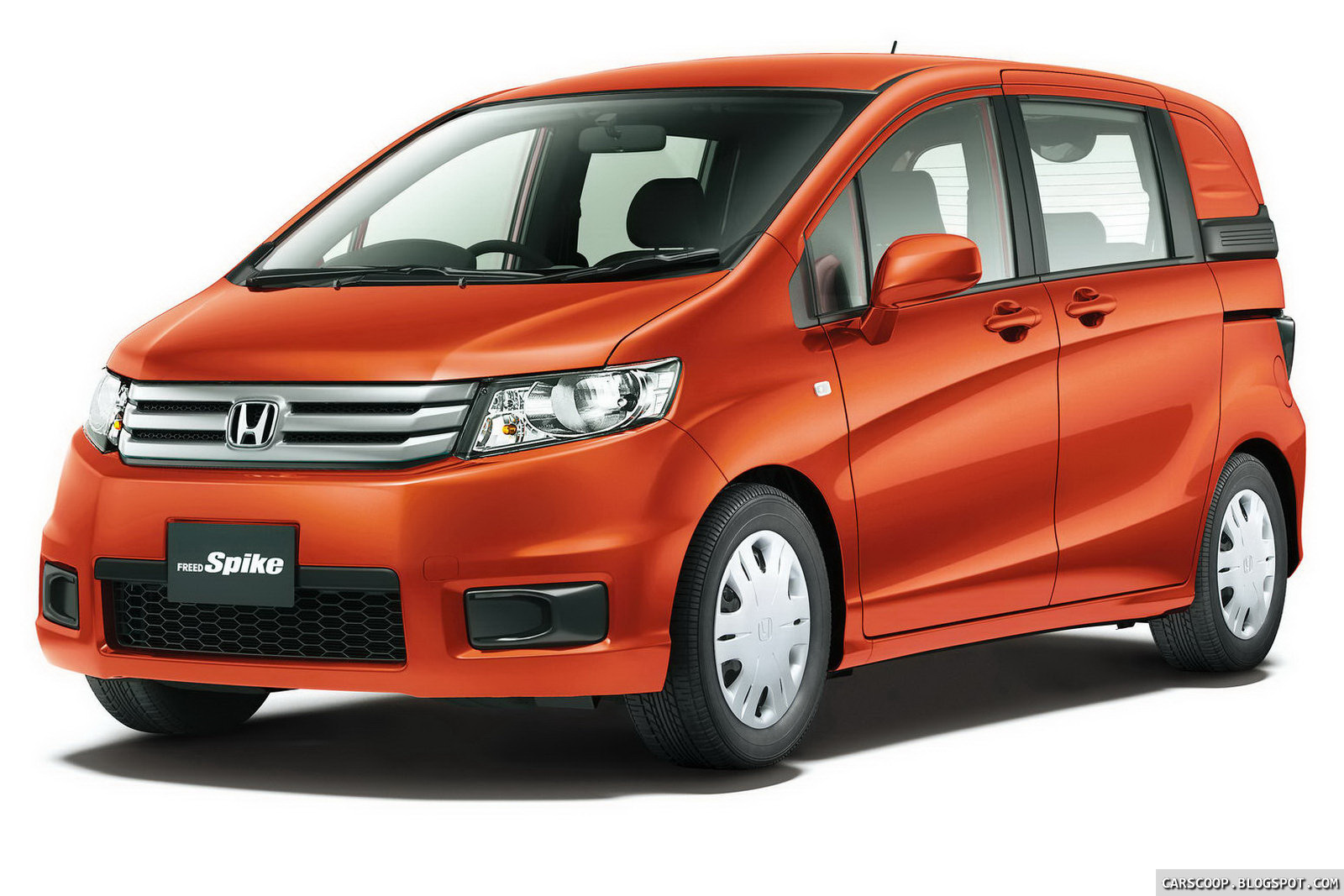 "New Mercedes Minivan >> Carscoop: New Honda Freed Spike ""Lifestyle"" Minivan Debuts in Japan"