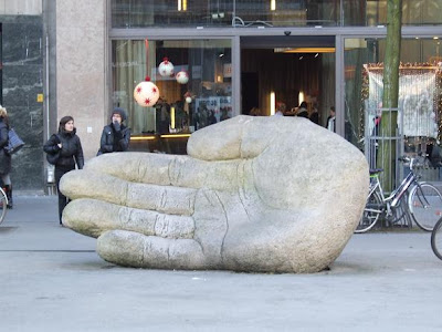 statue of hand