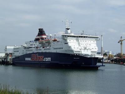 DL Lines ship