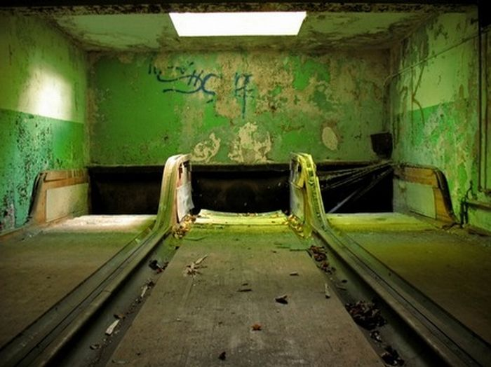 30 Incredible Examples of Urban Decay Photography - Web ...  |Urban Decay Photography