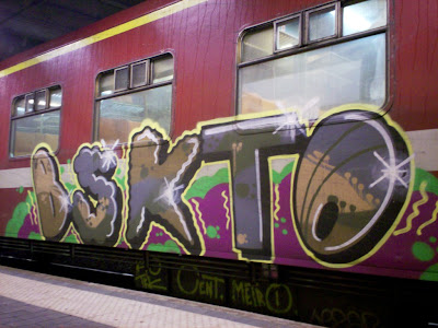 bskto graffiti on trains