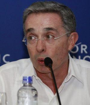 lvaro-uribe-velez-presidente-colombiano-300x350.jpg