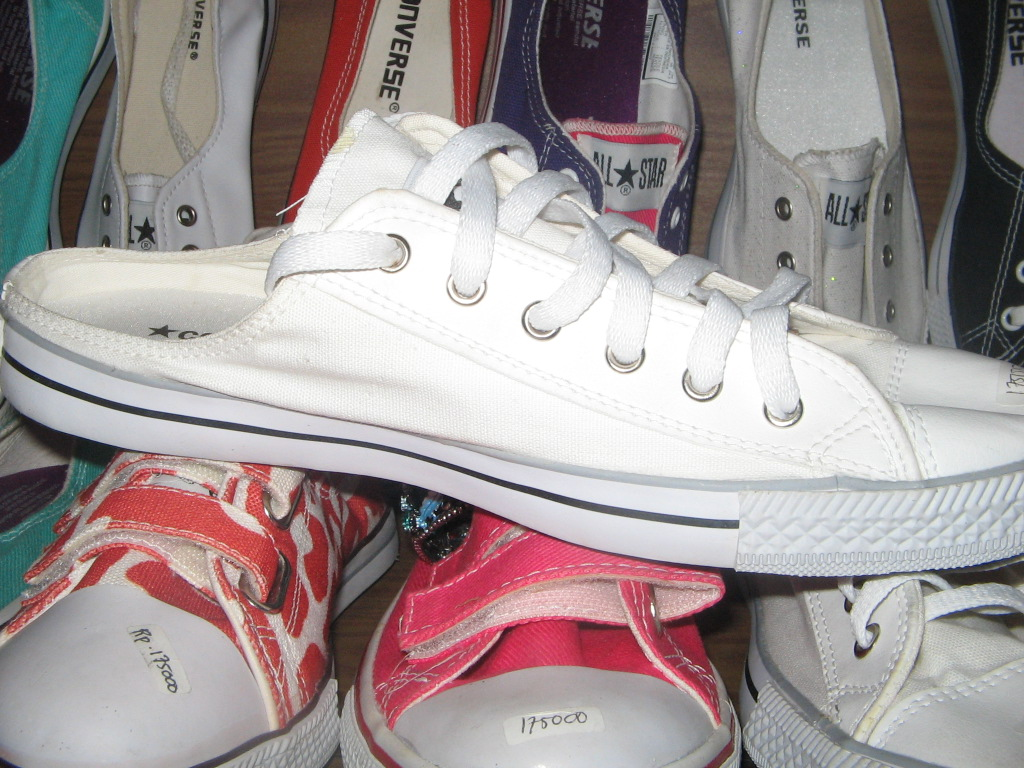 Galeri Converse Flat Shoes
