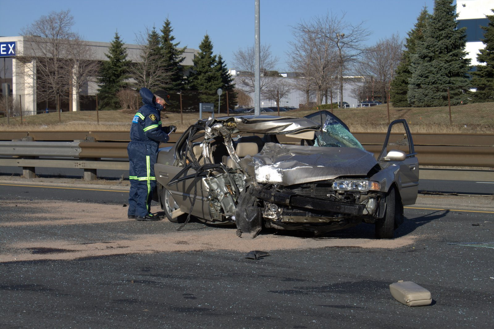 Car Wrecks Today: Car Accident: Car Accident Qew Today