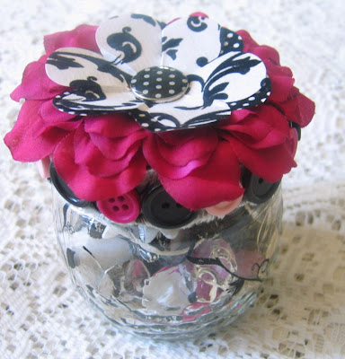 Gorgeous black and white floral inspriation